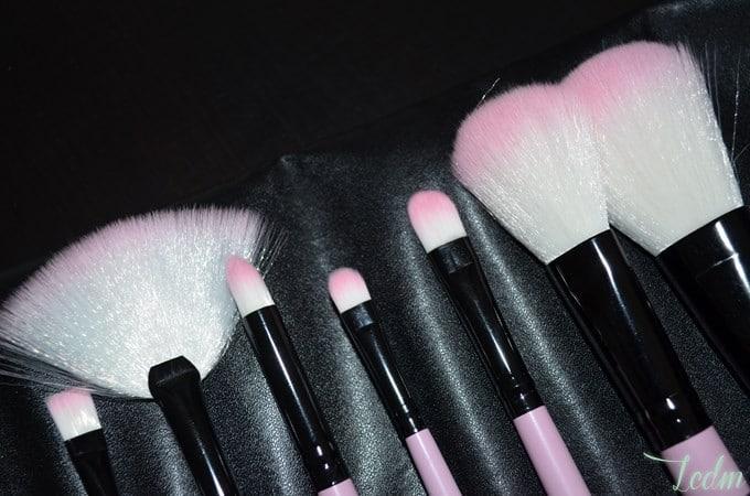 Pinceaux de maquillage Bh Cosmetics.