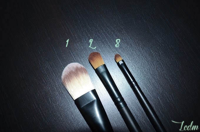 Pinceaux pour maquillage gras.