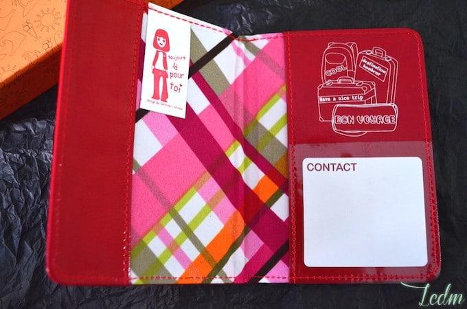 Porte-passeport by Caroline Lisfranc