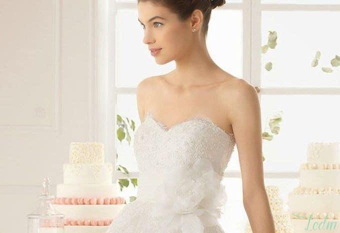 Robe de mariée bustier décolleté