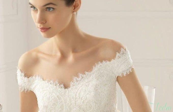 Robe de mariee avec une seule manche