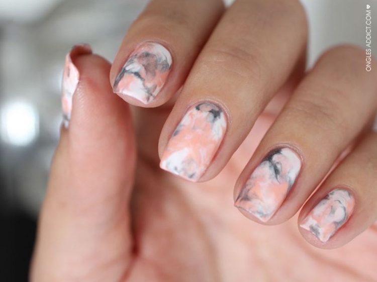 nail-art-marbre