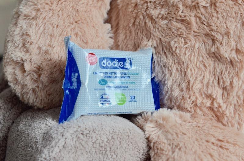 Les lingettes nettoyantes Dodie, pour nettoyer le visage et les mains de bébé
