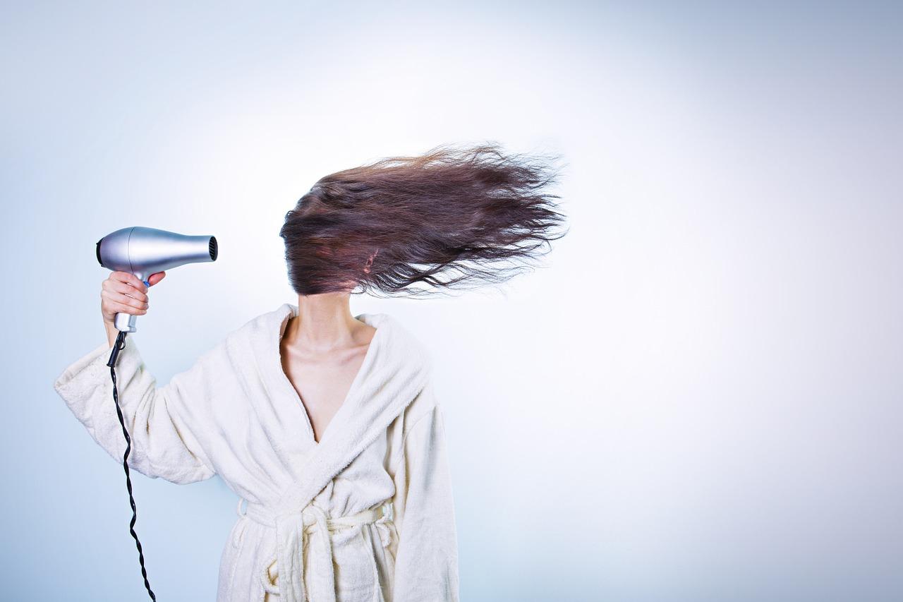 Se laver les cheveux sans shampoing, c'est tout à fait possible